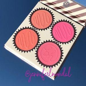 😍NWT Vanilla Peach Truffle Blush by BH!😍